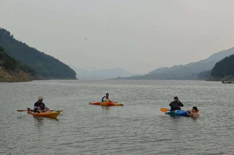 长江独木舟活动图片